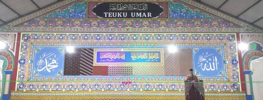 Pembukaan Lomba Drama Bahasa oleh Pimpinan Pesantren Modern Misbahul Ulum Dr. Hamdani Khalifah MA.