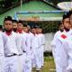 Pasukan Kibar Bendera Pesantren Modern Misbahul Ulum