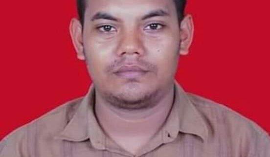 Ustadz Saiful Zahari Pengajar Pesantren Modern Misbahul Ulum Paloh